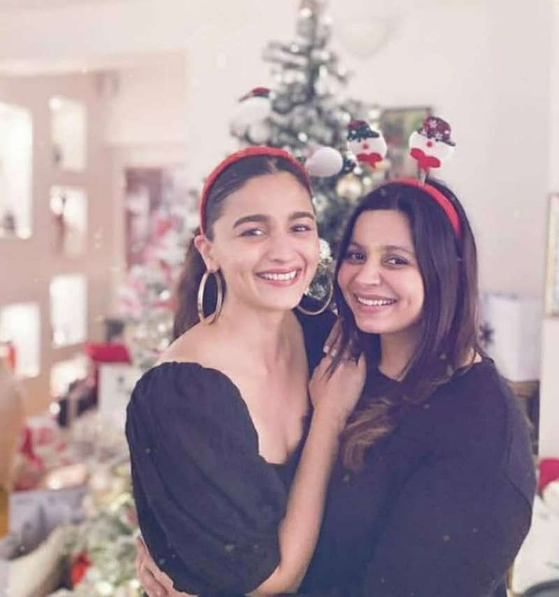 Ranbir Kapoor and Alia Bhatt bring their families together to celebrate Christmas
