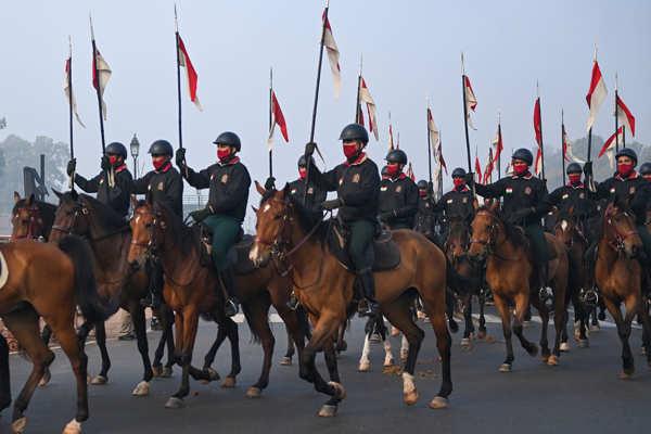 Rehearsal for Republic Day parade begins in Delhi