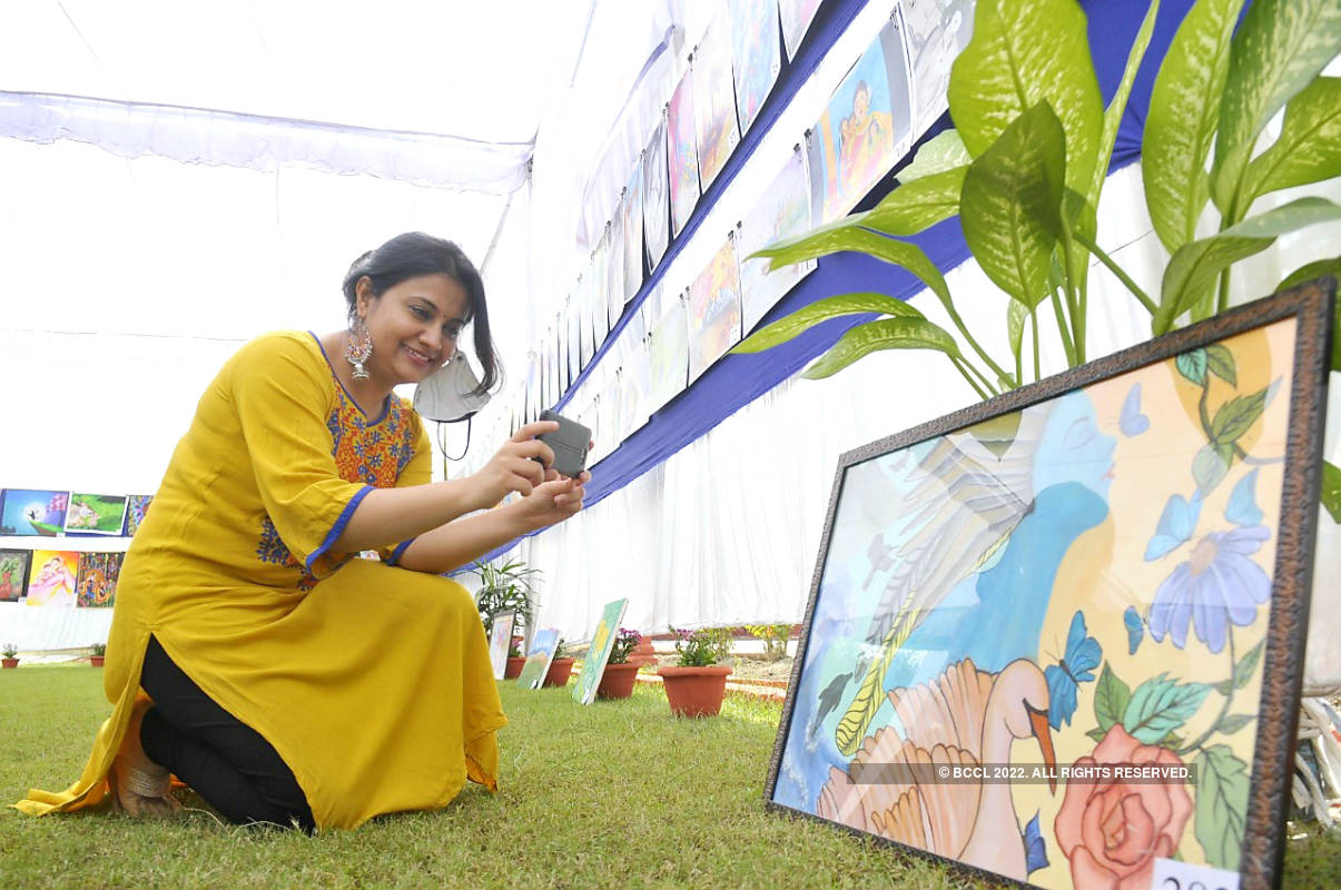 Children participate in Annual Painting exhibition