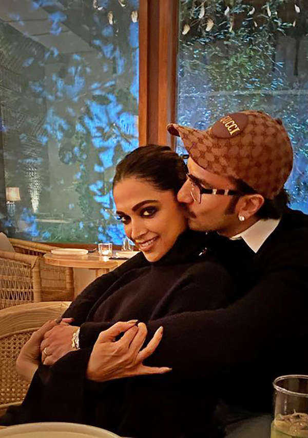 Deepika Padukone's sweet birthday wish for her little sister will surely melt your heart