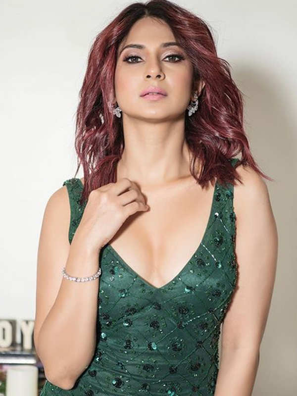 Happy birthday Jennifer Winget: Beautiful pictures of the telly town diva go viral