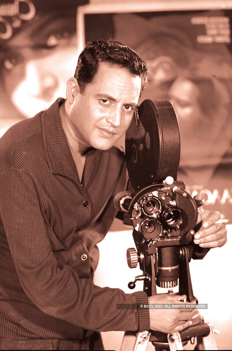 #GoldenFrames: Pictorial Biography of Guru Dutt, Bollywood's Troubled Genius!