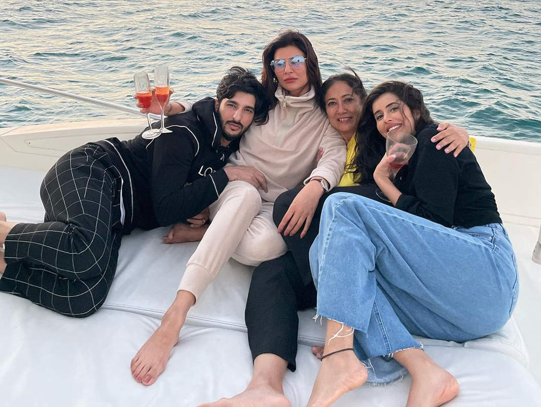 Unmissable pictures of Sushmita Sen and her family from her yacht party