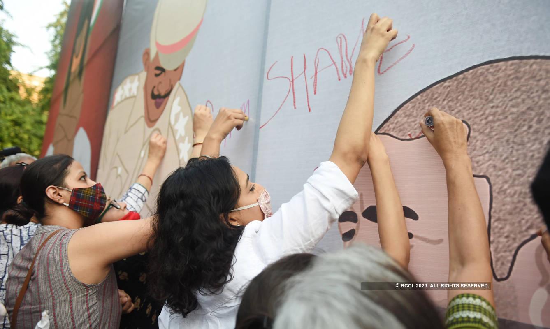 Swara Bhasker joins protest over Hathras Gang Rape at Jantar Mantar
