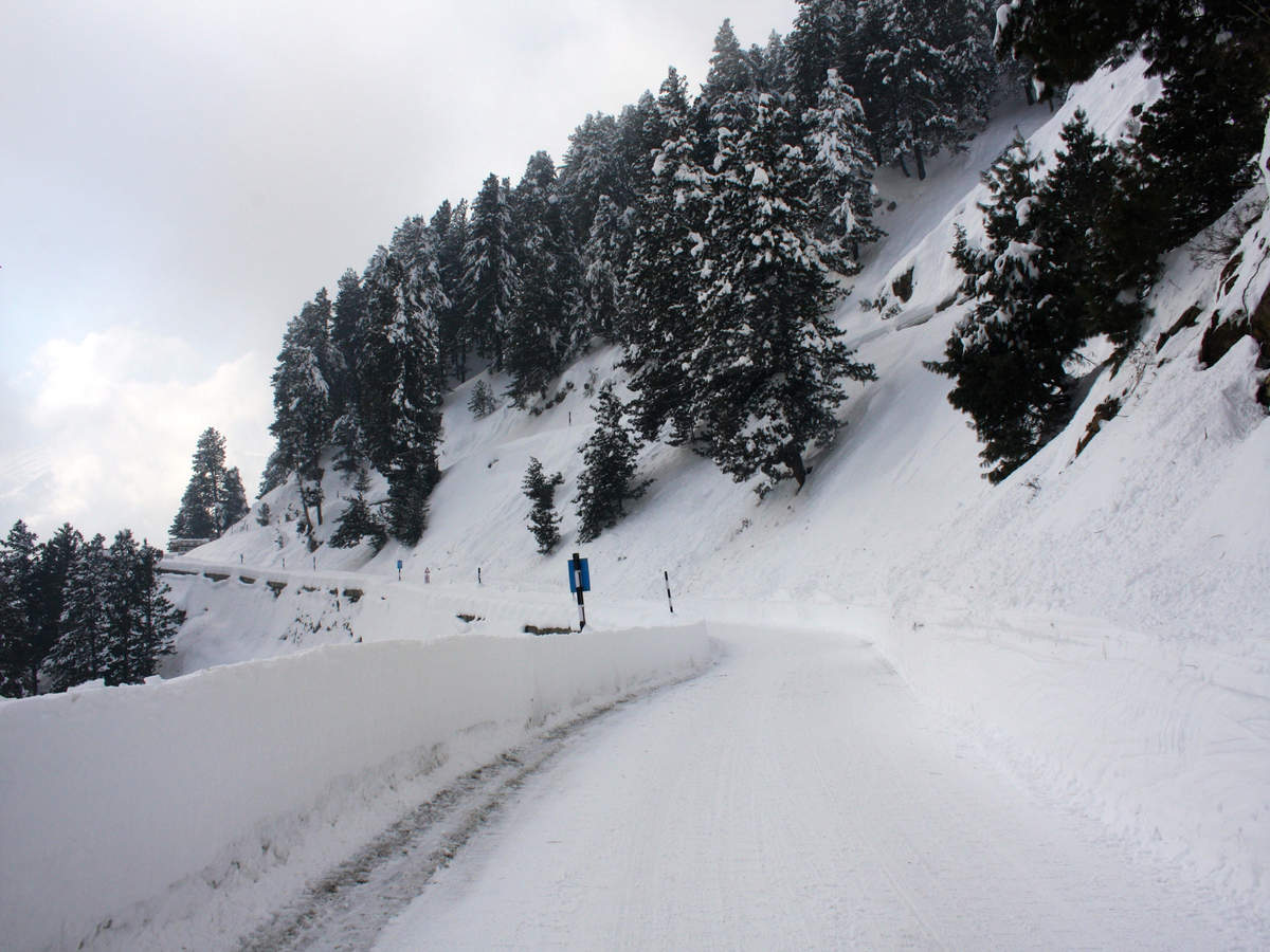 Avalanche warnings issued for higher areas of J&K