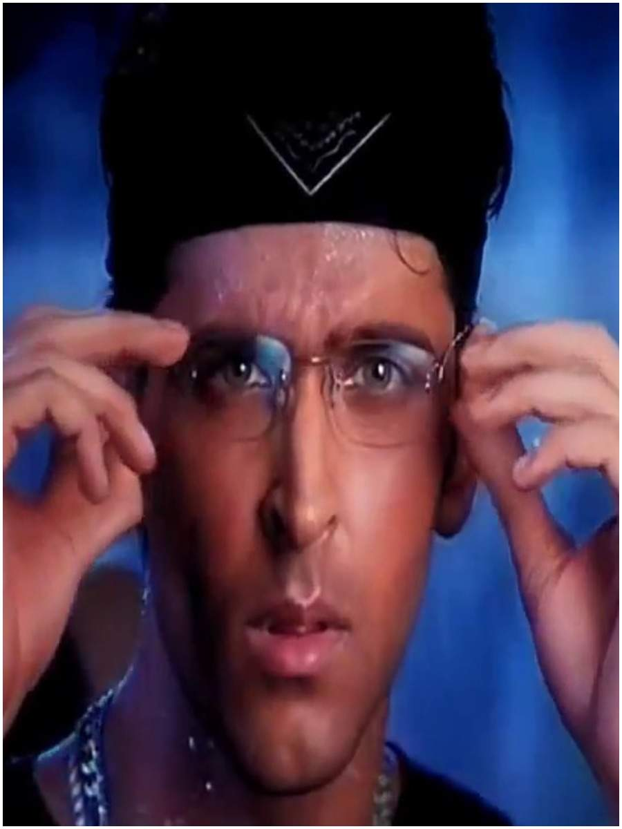 Hrithik Roshan with his glasses in a still from Kaho Naa... Pyaar Hai