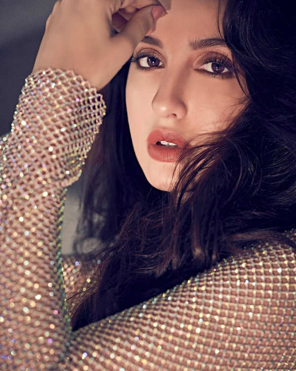 Nora Fatehi makes heads turn with her bewitching pictures