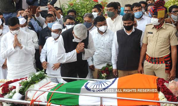 Ex-Gujarat CM Madhavsinh Solanki cremated in Ahmedabad