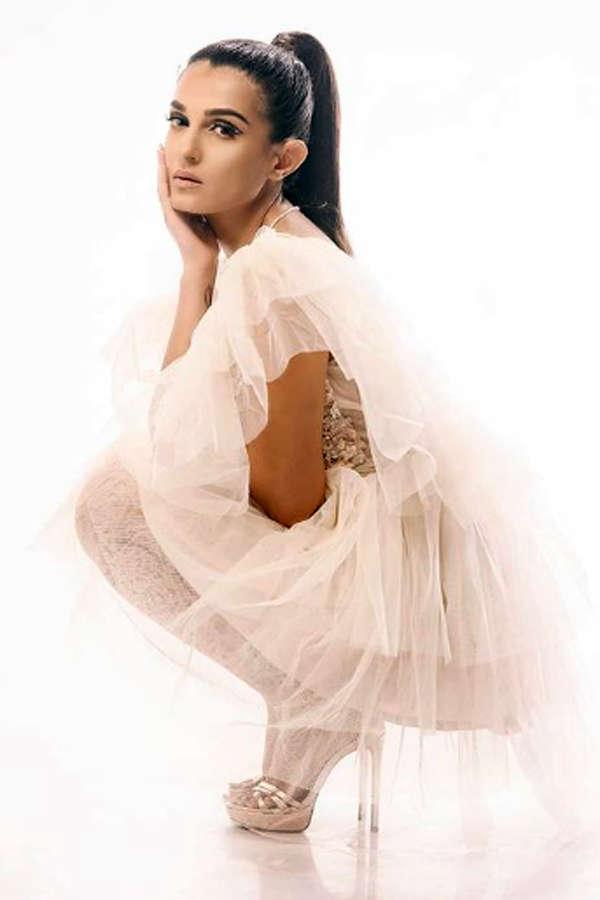 Jamai Raja actress Shiny Doshi is a diva in real life