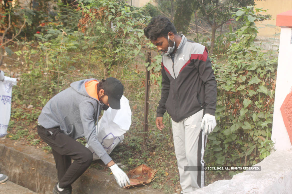 Environment lovers participate in Waste Walk