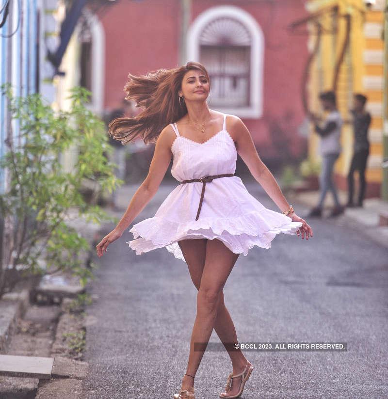 Daisy Shah chills in Goa