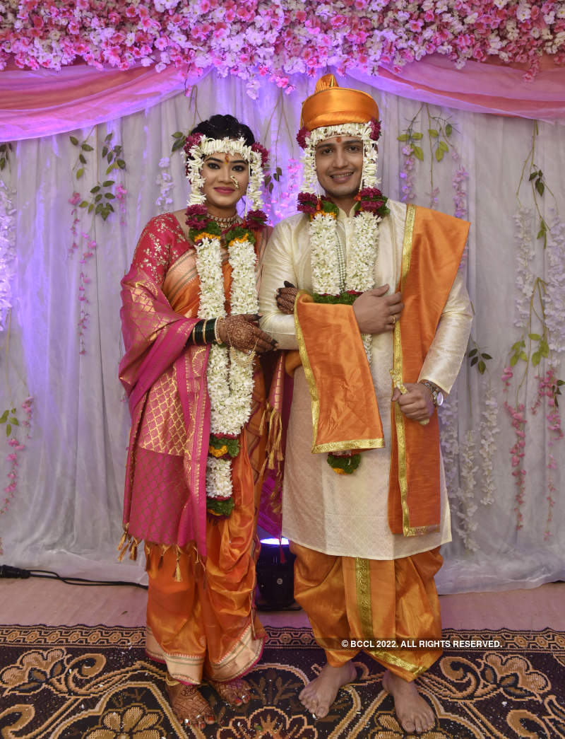 Ashutosh Kulkarni ties the knot with Ruchika Patil