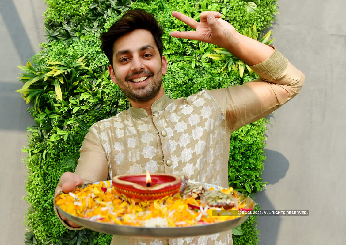 Himansh Kohli's Diwali photoshoot