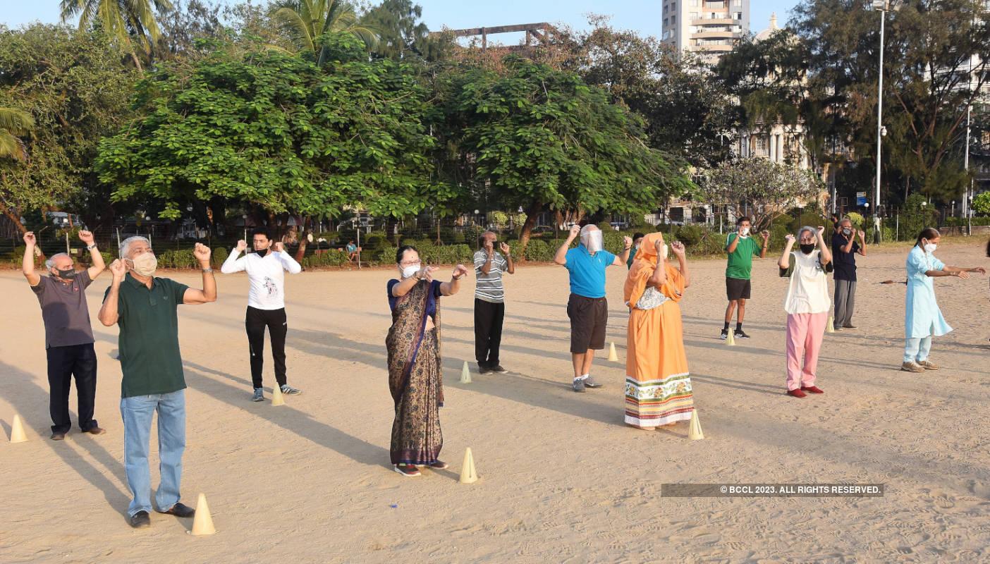 Mumbai's laughter club brings the fun back at Chowpatty