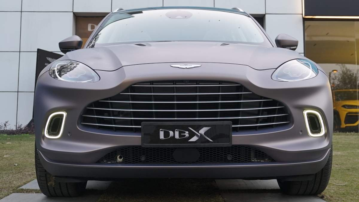 The DB11 connection