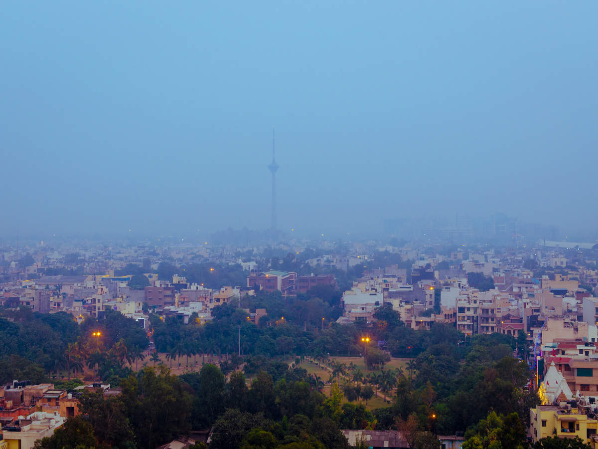Severe cold hits Delhi as temperature dips to 1.8 degrees Celsius