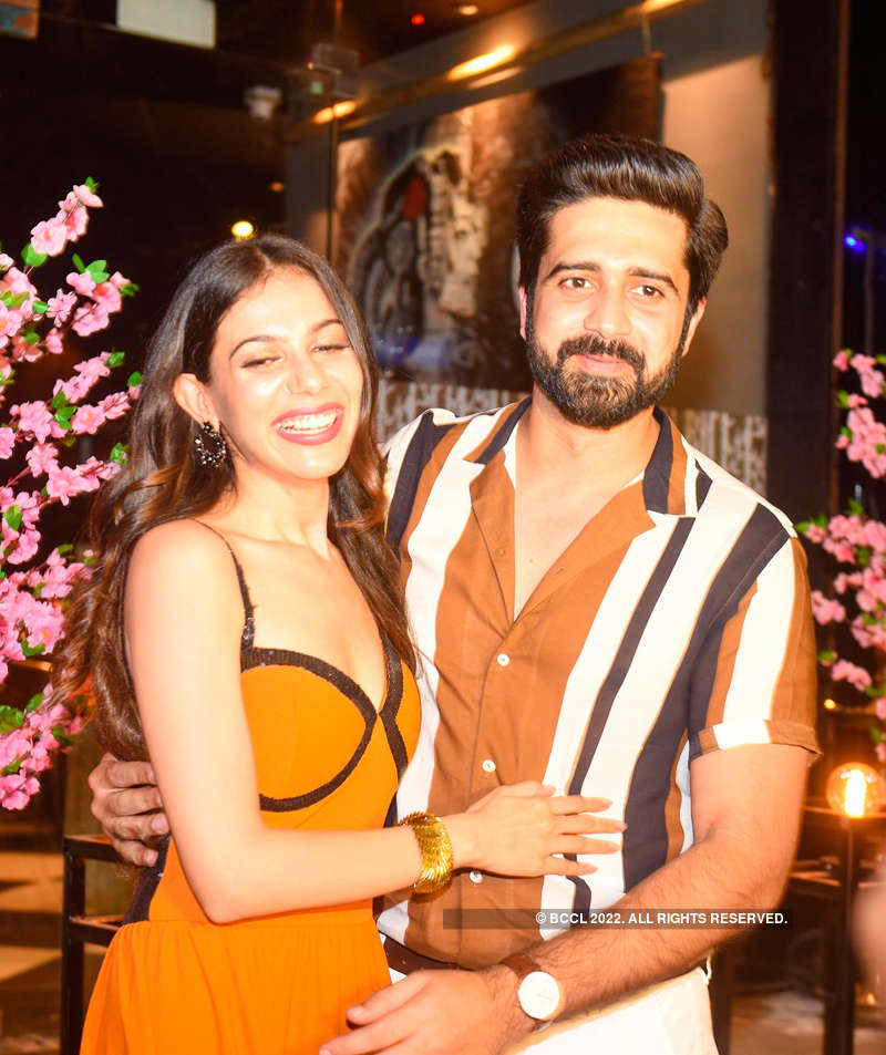 Avinash Sachdev and Palak Purswani's shagun ceremony