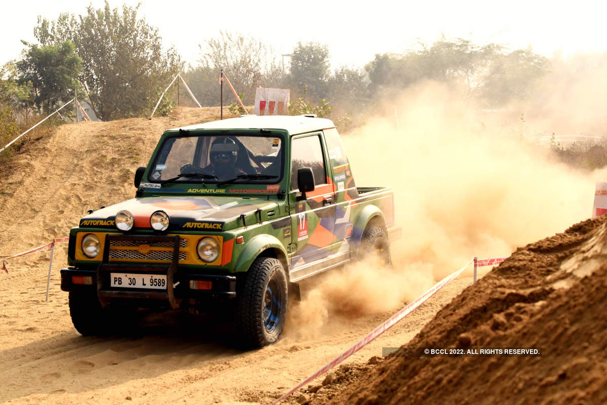 Off-roaders participate in Gurgaon's off roading event