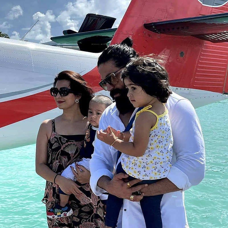 KGF star Yash is enjoying blue waters of Maldives with wife and kids