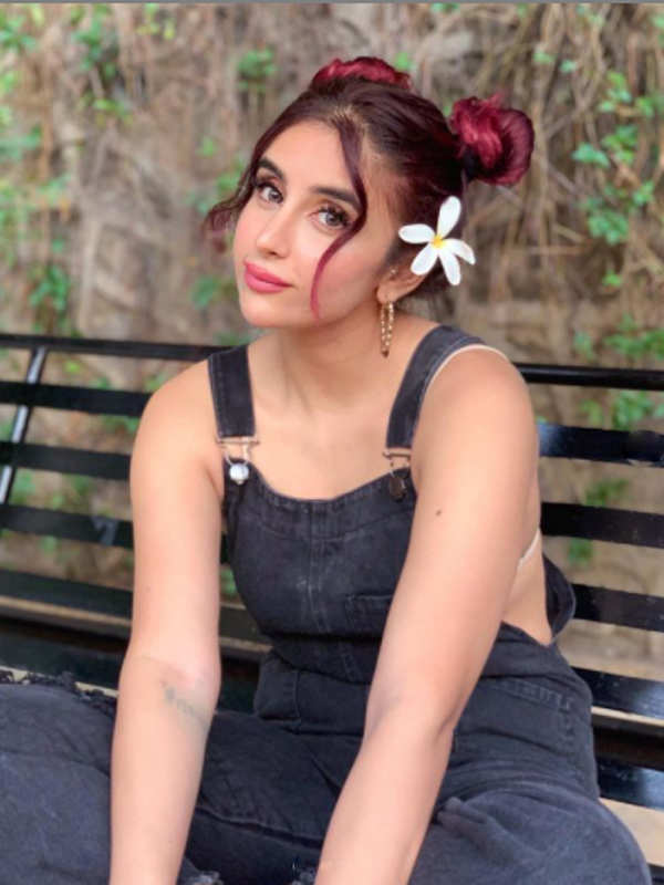 Meet fashionista Miesha Iyer, who is winning hearts with her alluring pictures