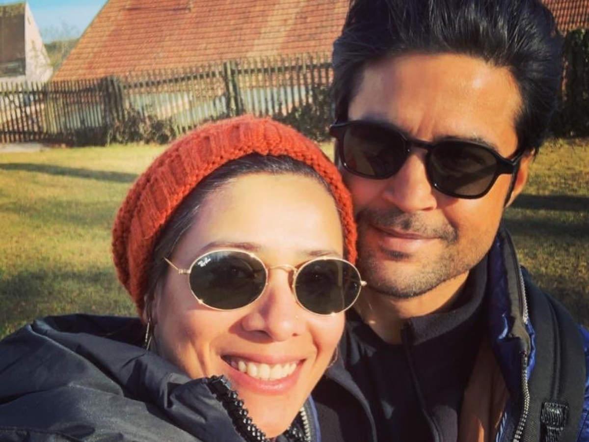 Rajeev with wife Manjiri