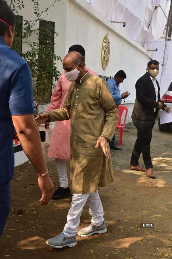 Pictures of Varun Dhawan and Natasha Dalal's wedding go viral