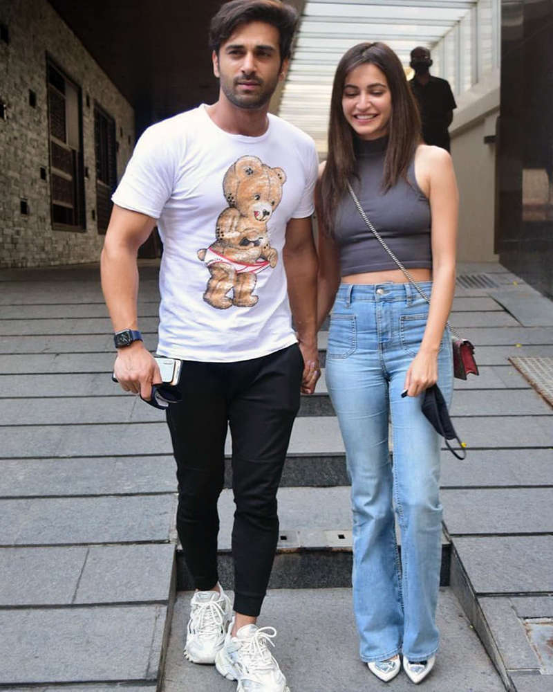 Romantic pictures from Pulkit Samrat and Kriti Kharbanda's lunch outing