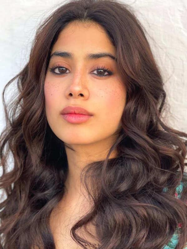 Janhvi Kapoor slays it in a short neon dress