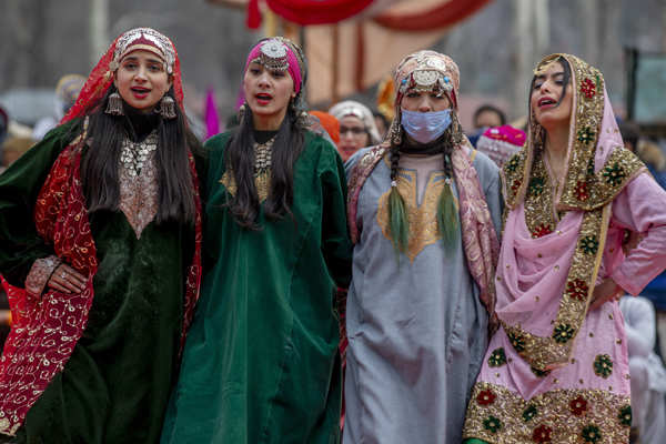 Spectacular pictures from Republic Day celebrations in Kashmir