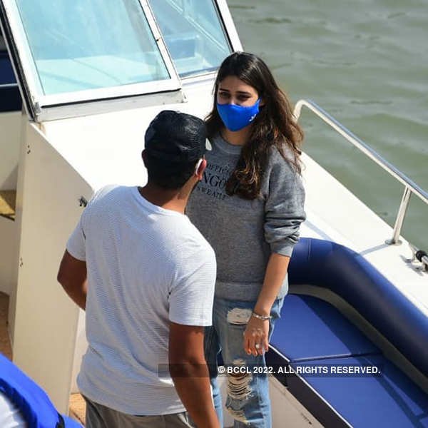 New pictures of Rohit Sharma and Ritika Sajdeh from Gateway of India