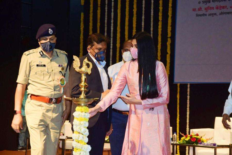 Republic Day Special: Naveli Deshmukh continues her mission to inspire the youth of India