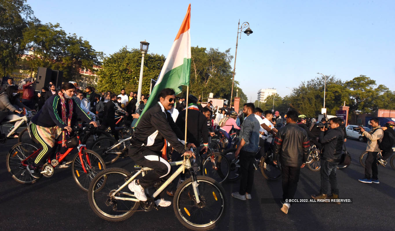 Jaipurites participate in Cyclothon on Republic Day