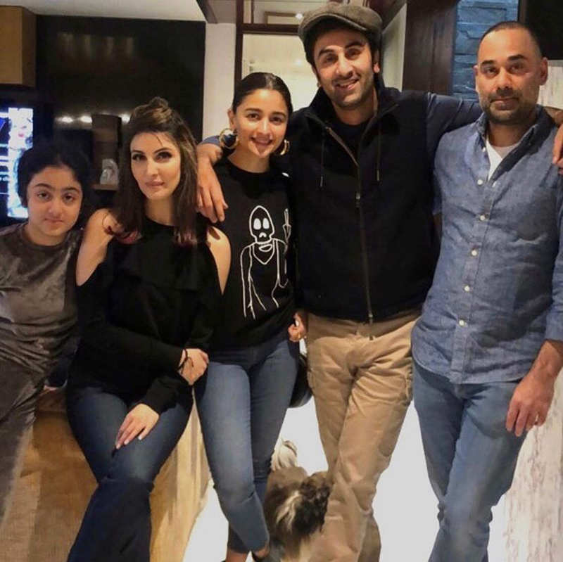These magical moments of Alia Bhatt and Ranbir Kapoor from the sets of Brahmastra you simply can't miss!