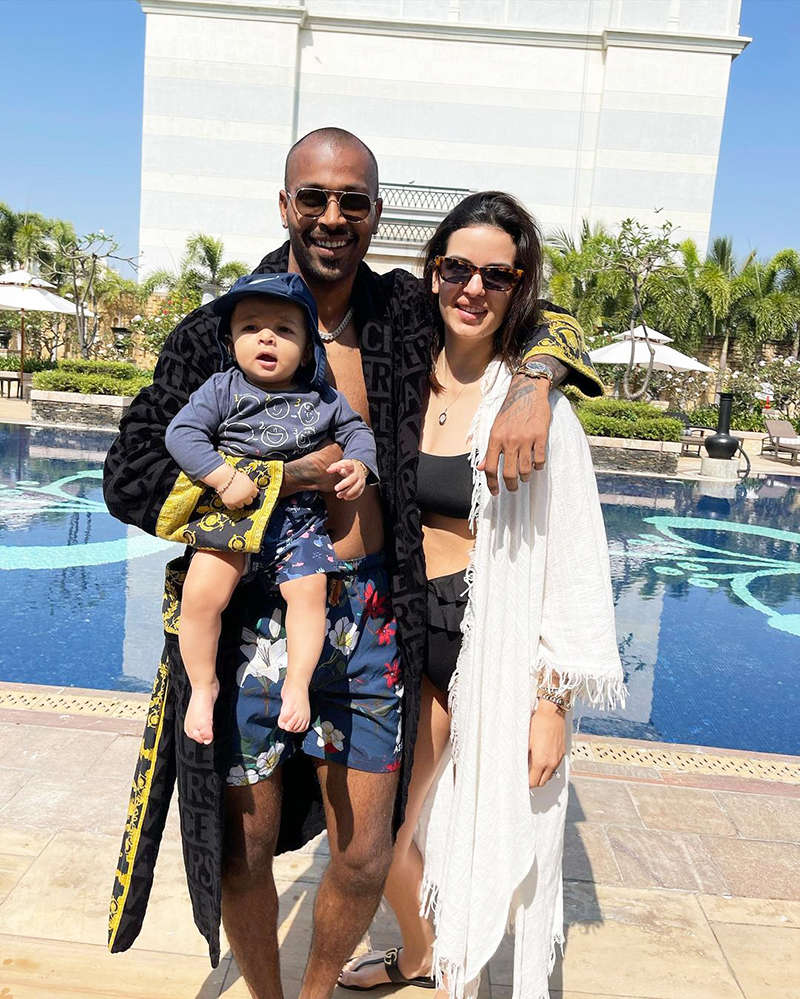 Adorable pictures of Hardik Pandya and Natasa Stankovic's little baby enjoying his first pool outing