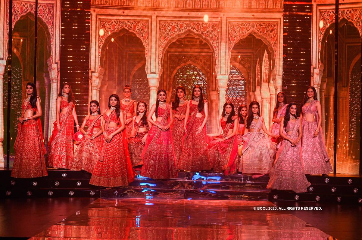 VLCC Femina Miss India 2020: Round 1: Mohey + Shobha Shringar Jewellers Collection Showcase