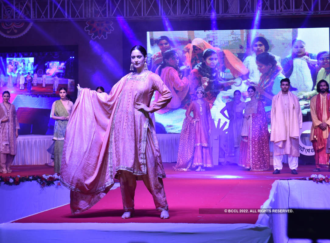 Khadi gets a glamorous makeover in Lucknow