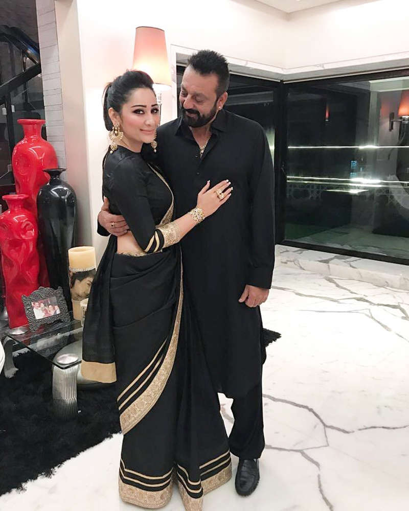 Sanjay Dutt & Maanayata wish each other with these lovely pictures on their anniversary