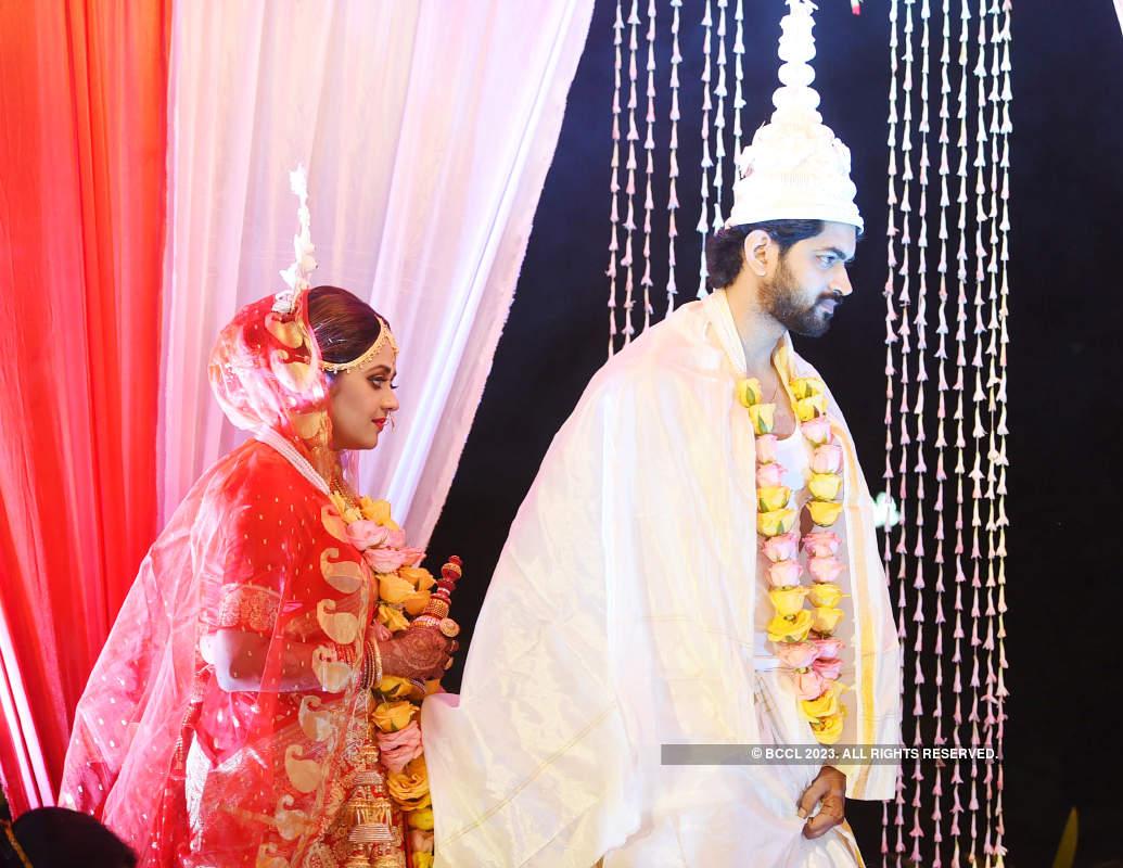Inside pics from Mimi Dutta and Om Sahani's wedding ceremony