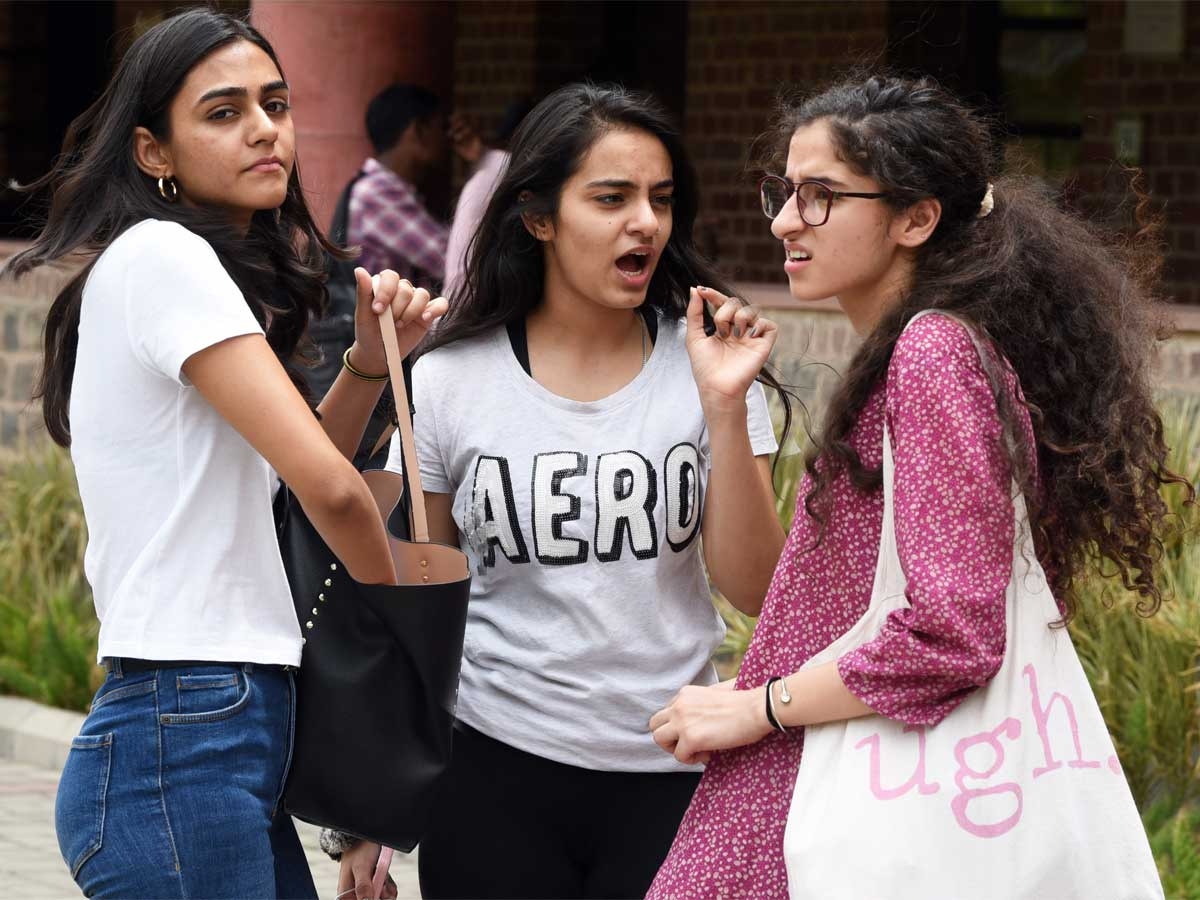 DU students must complete their practicals to get degrees