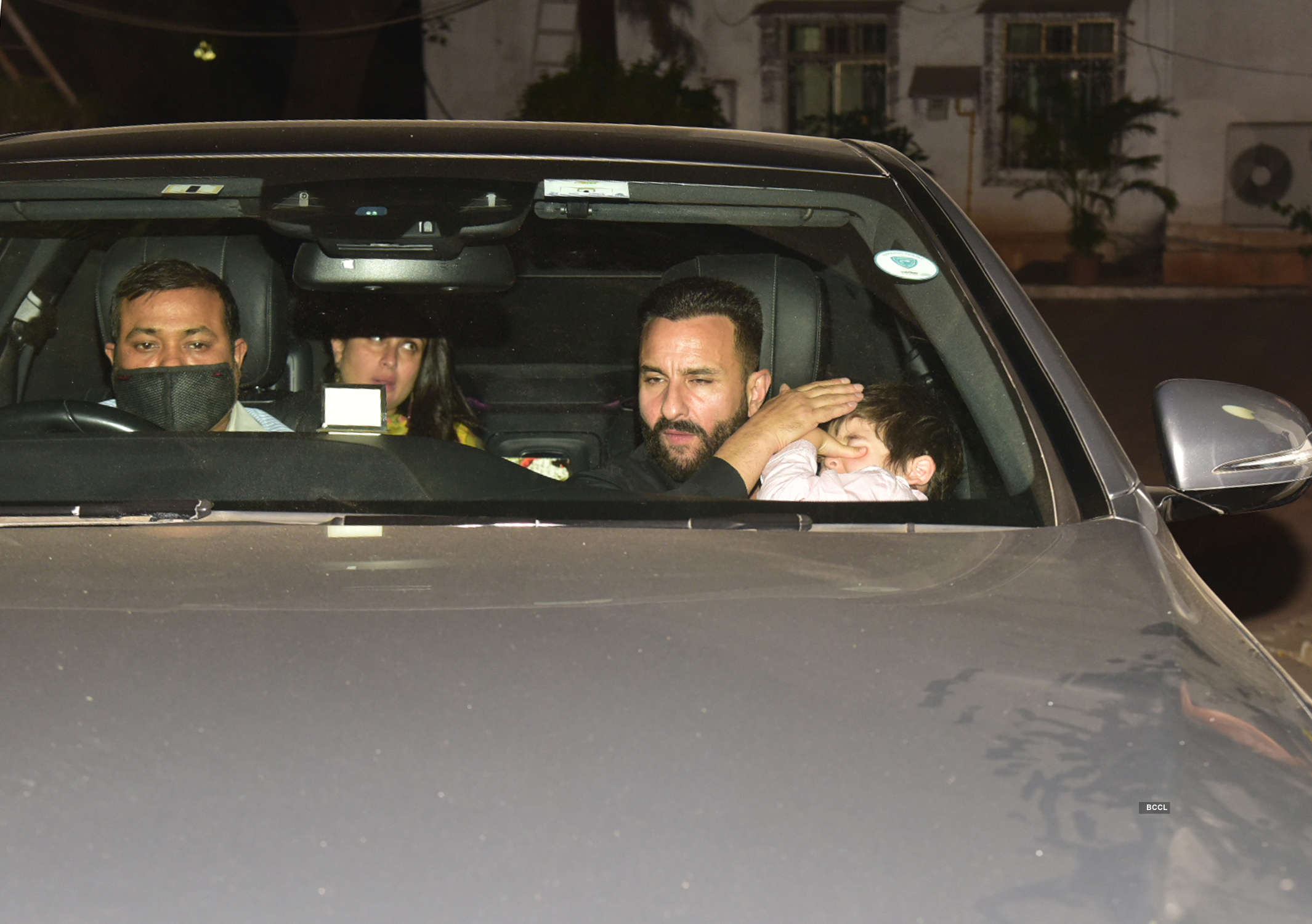 Alia Bhatt-Ranbir Kapoor, Kareena Kapoor-Saif attend Randhir Kapoor's birthday party
