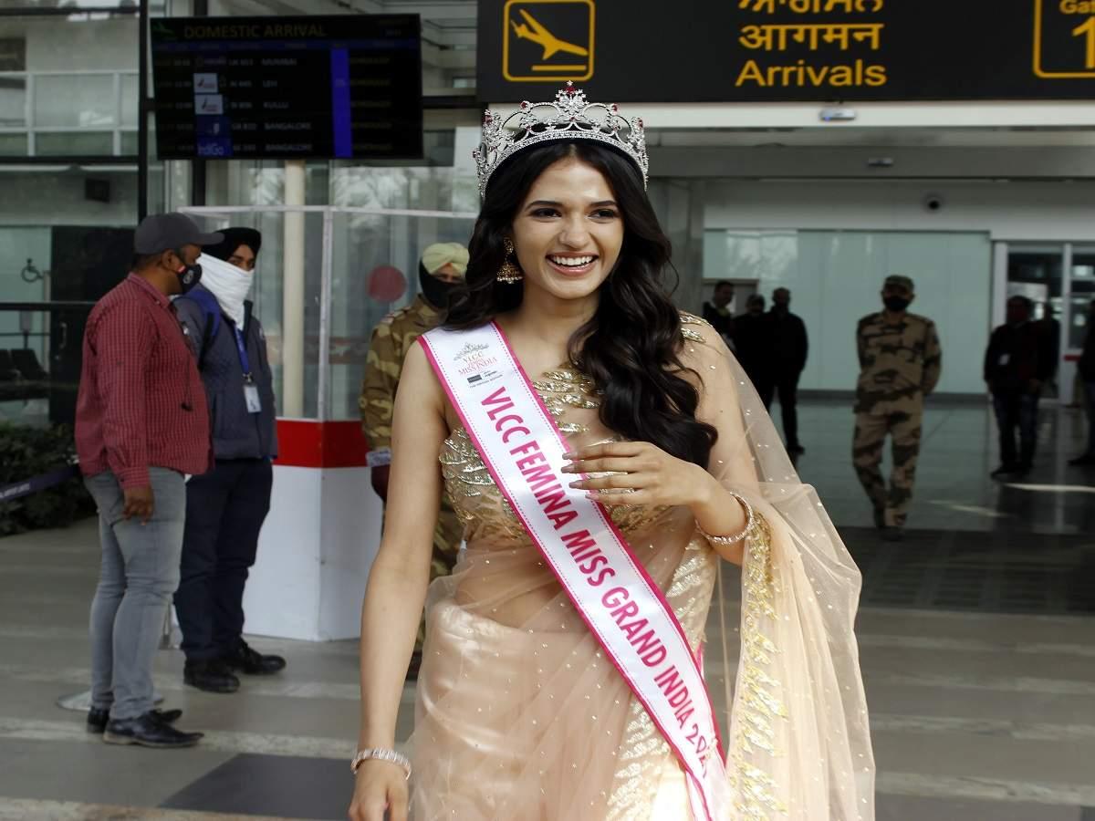 Manika at Chandigarh airport