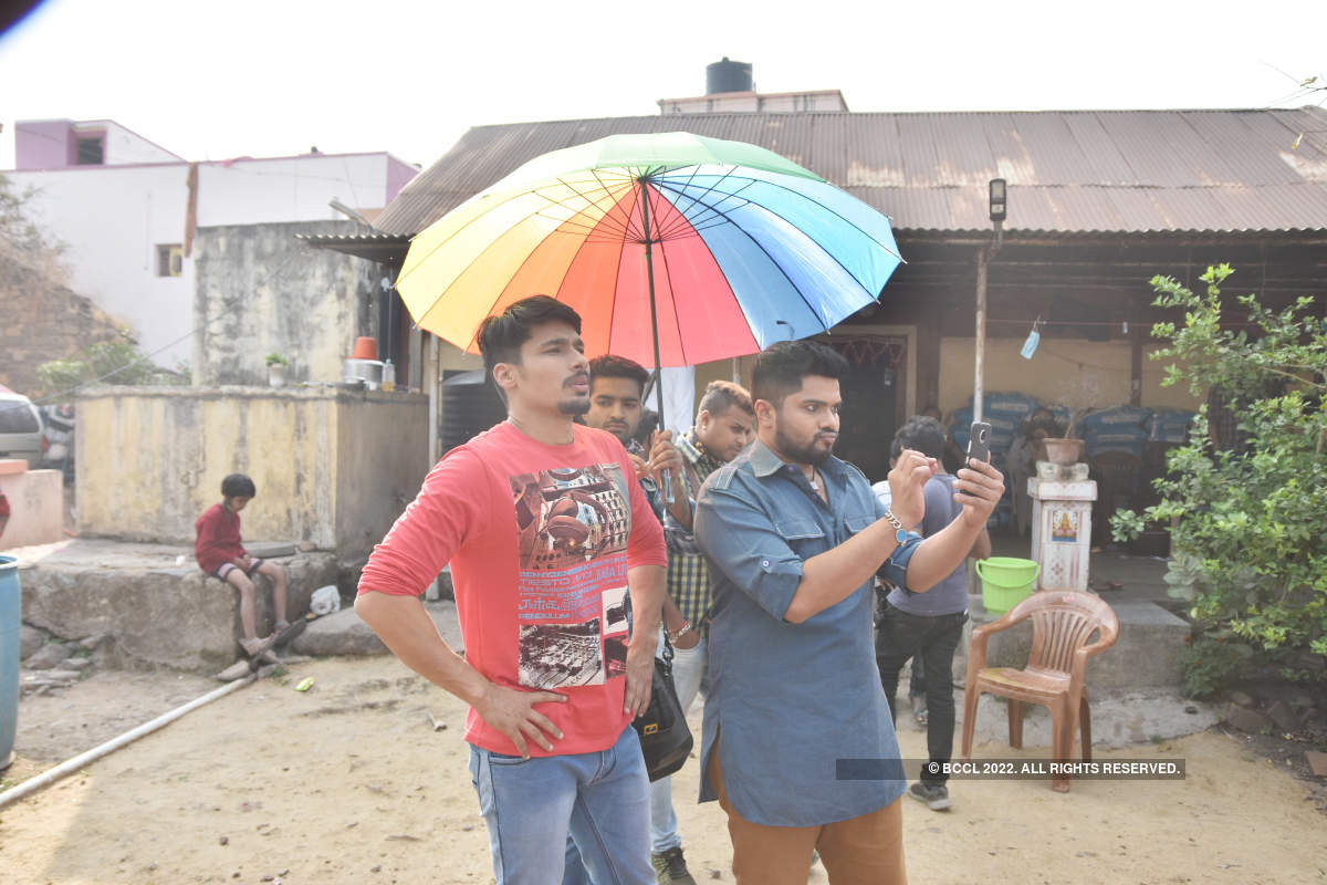 Fakat: On the sets