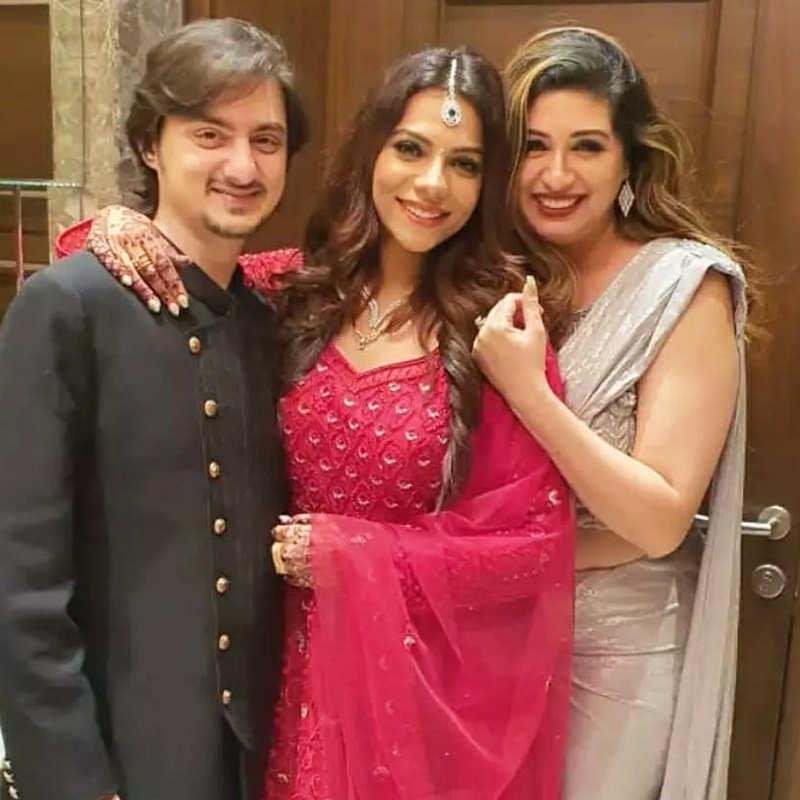 Unmissable pictures from Aditya Kapadia and Tanvi Thakkar's wedding reception