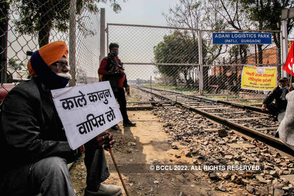 Farmers observe 'rail roko' agitation