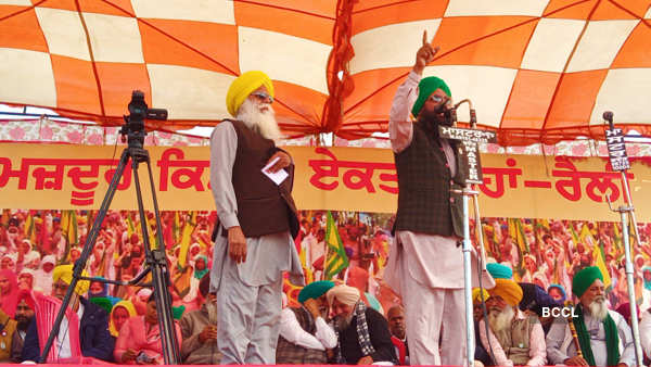 Farmers hold Maha Kisan rally against farm laws in Barnala