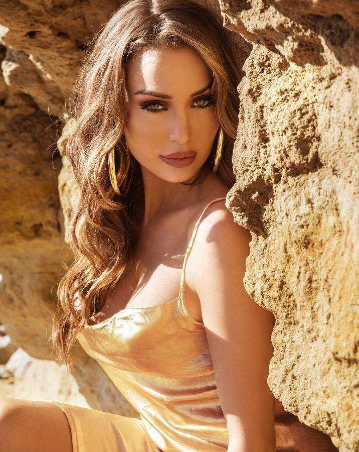 Lucinda Nicholas makes it to Australia's 'Top 20 Model Celebrities' list