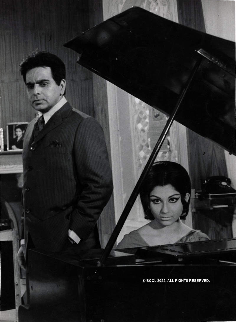 #GoldenFrames: Pictorial Biography of Sharmila Tagore, the Bengal beauty