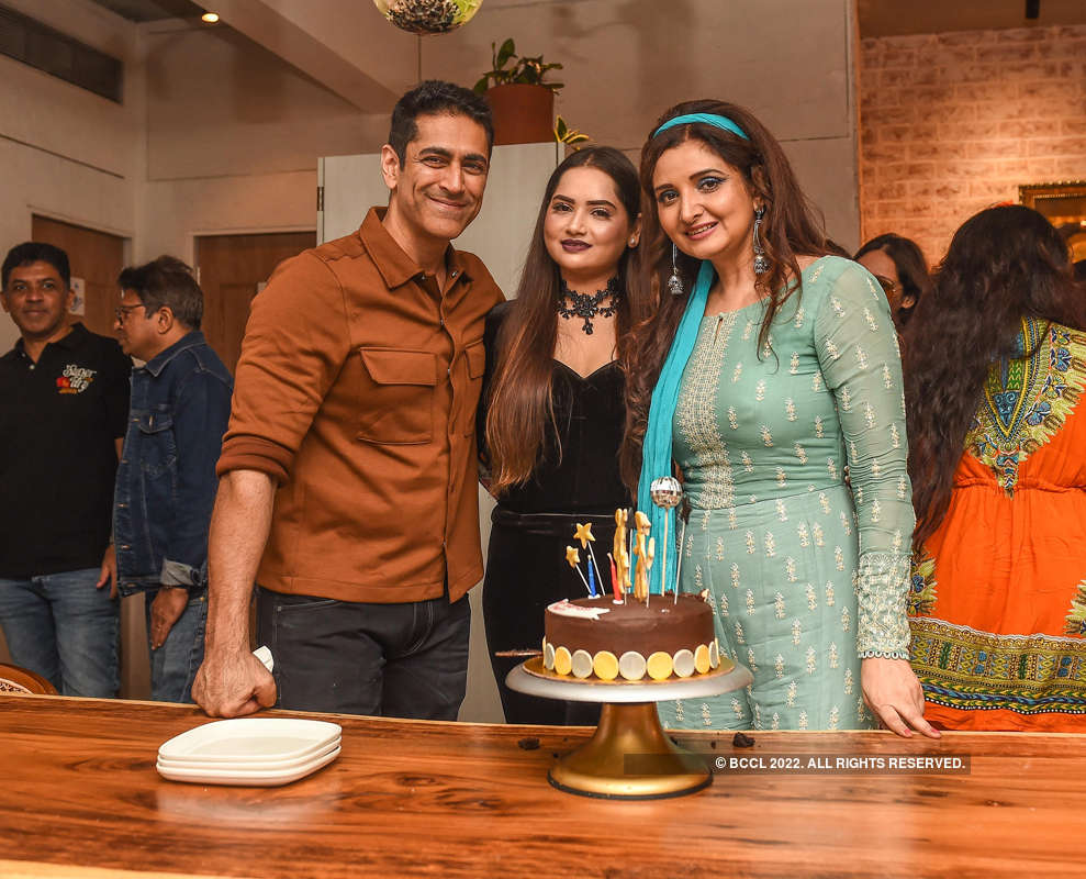 Tarun Khanna celebrates birthday with family and close friends