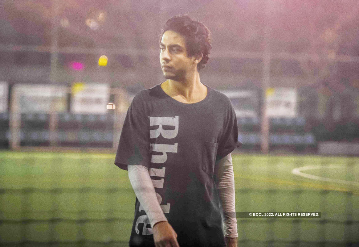 Aryan Khan and Ahan Shetty take some time off and play cricket on turf