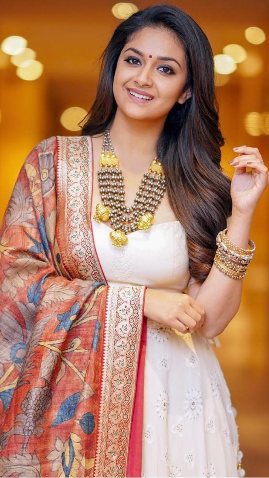 Best ethnic looks of Keerthy Suresh